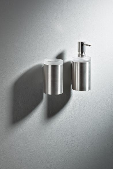 hewi glasbecher mit halter. Black Bedroom Furniture Sets. Home Design Ideas